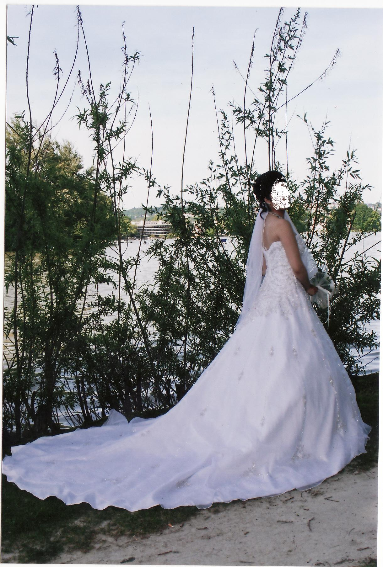 Location robe de mariée Paris France