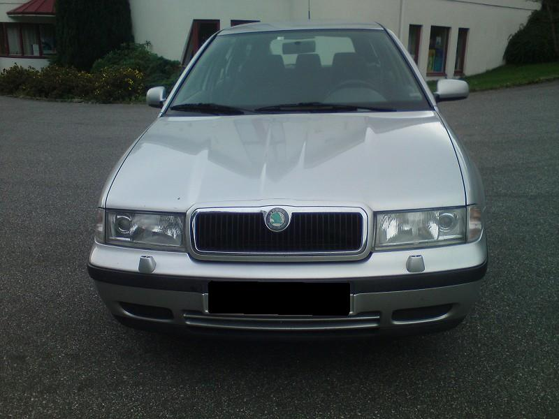 donation de ma voiture skoda octavia 1 6 2000 215 000 km puteaux france. Black Bedroom Furniture Sets. Home Design Ideas