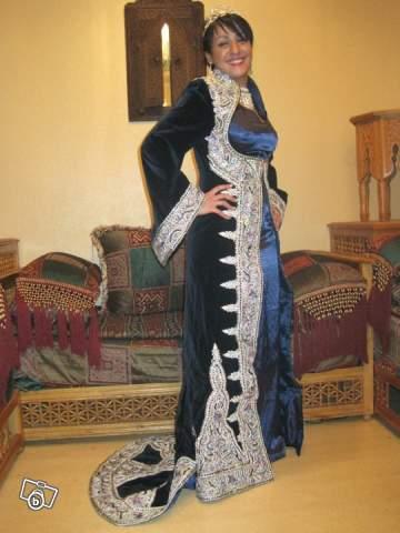 je loue et vend mes tres belles tenues traditionnelles algeriennes