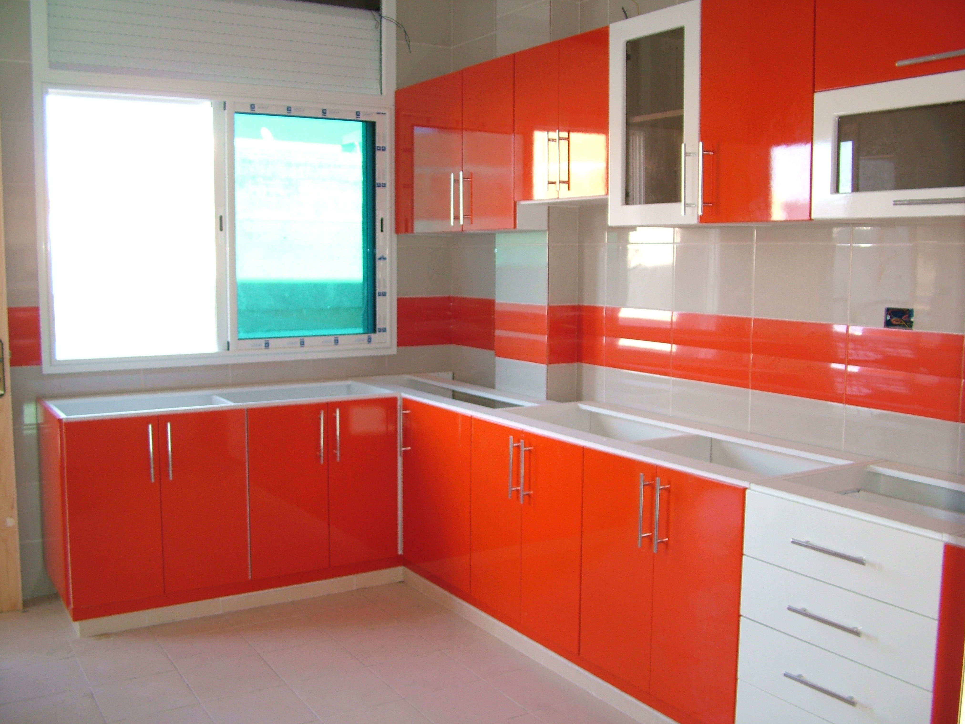 model de cuisine quipe cuisine equipee avec ilot central u2013 limoges 12 u2013 velux. Black Bedroom Furniture Sets. Home Design Ideas