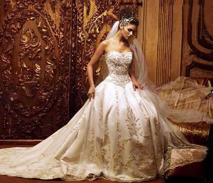 ... Tanger, location de robe de mariée.Superbe robe de mariée stylée