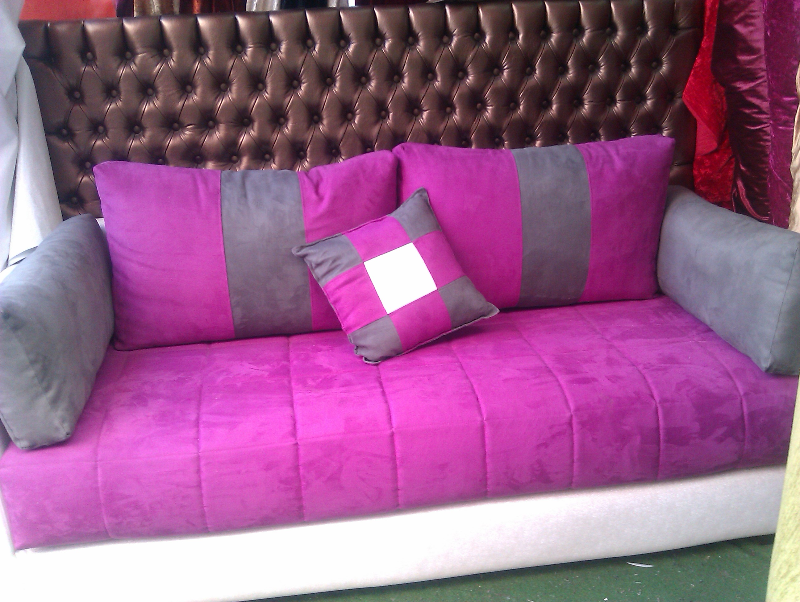 kit tissu salon marocain comprenant1 housse de sedari 2m2. Black Bedroom Furniture Sets. Home Design Ideas