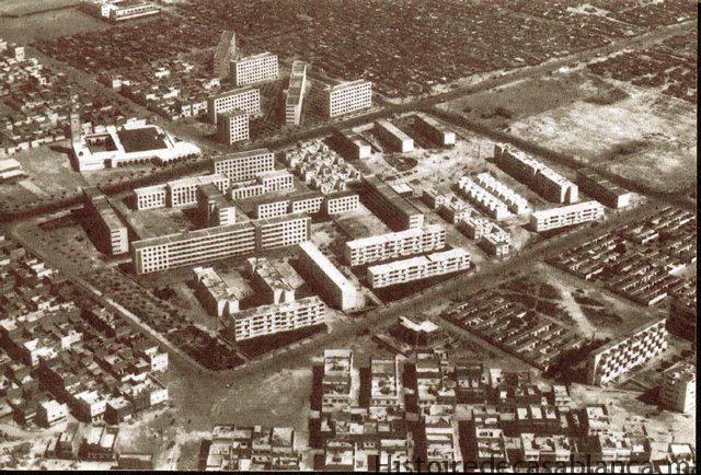 Vue aérienne du bidonville Carrières centrales à Casablanca en 1953. / Michel Ecochard