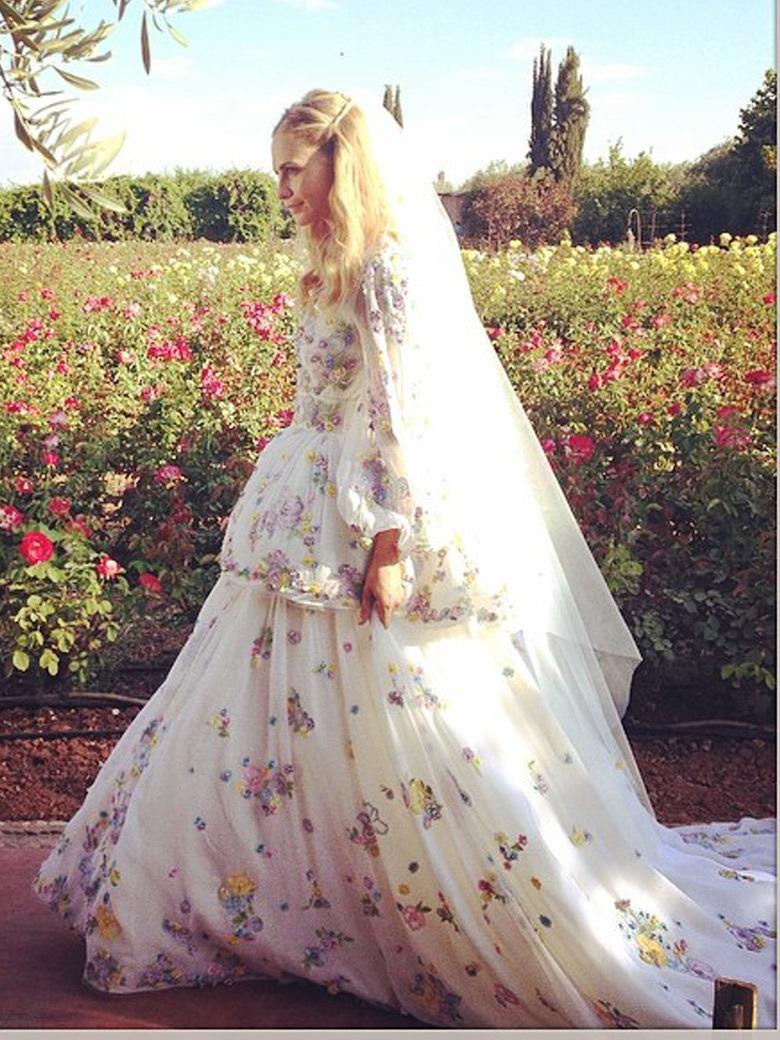 La-seconde-robe-de-mariee-de-Poppy-Delevingne-est-encore-plus-cool-que ...